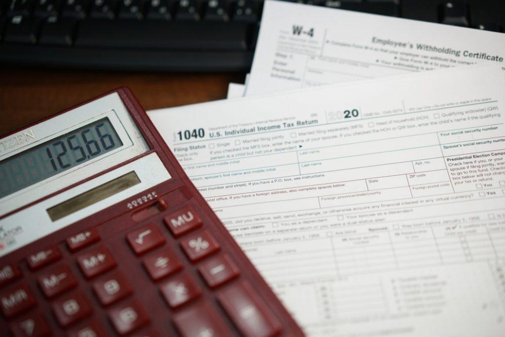 o que é crime fiscal - calculadora e documentos